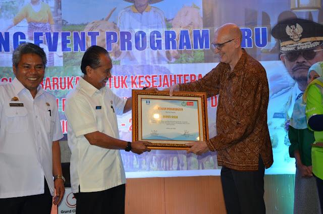 Pemkab Sinjai Kembali Raih Penghargaan Dari HIVOS Dalam Pengembangan Energi