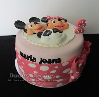 O Mickey, a Minnie e o Panda foram ao 2º aniversário da Maria Joana