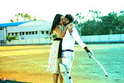 Appatlo Okkadundevadu Movie Stills-thumbnail-8
