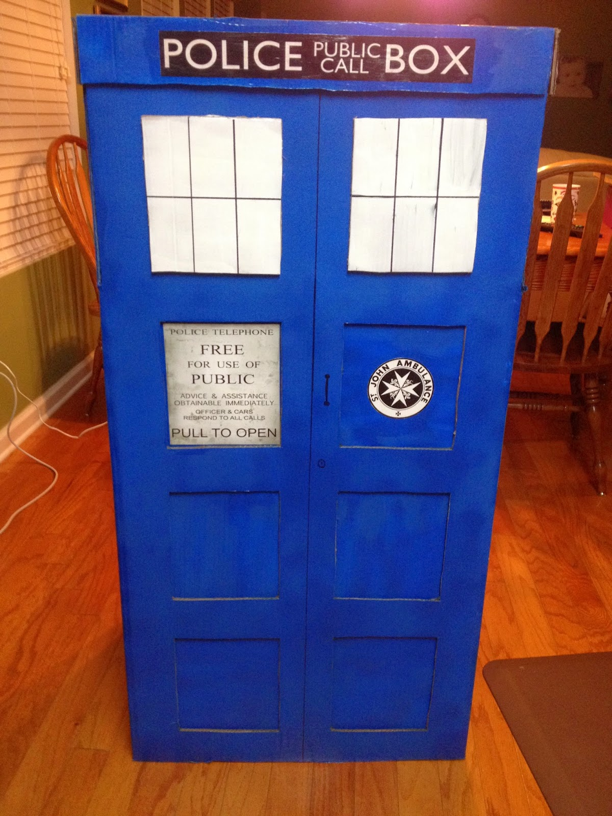 The Ravin Maven Make Your Own Tardis Costume Without