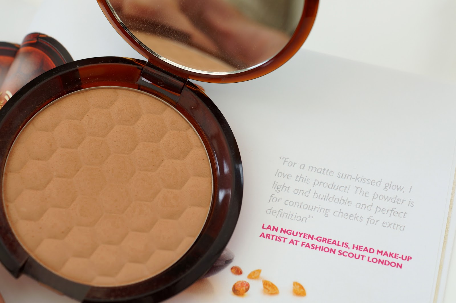 the body shop honey bronzer
