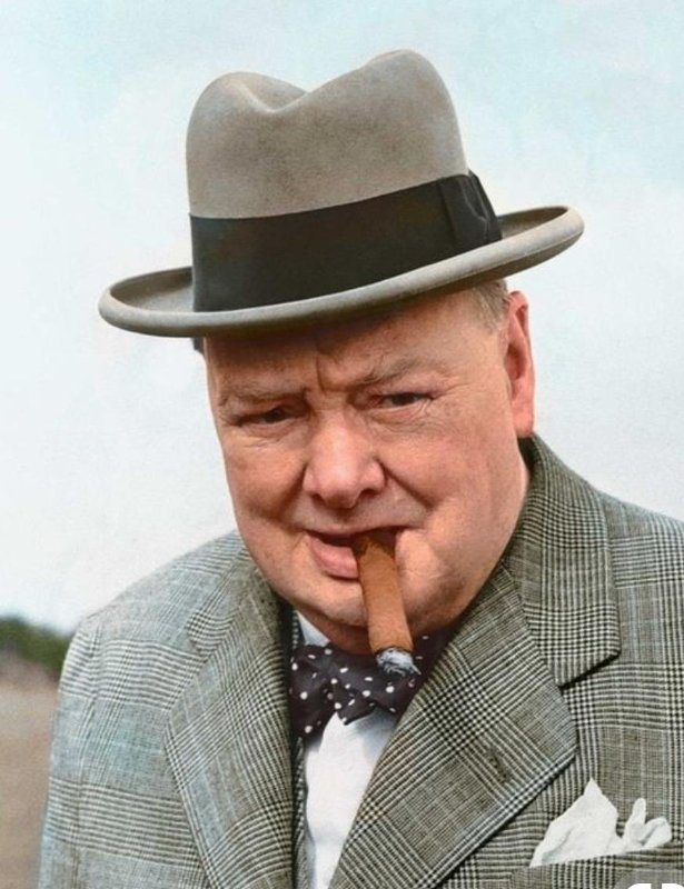 Winston Churchill color photos of World War II worldwartwo.filminspector.com