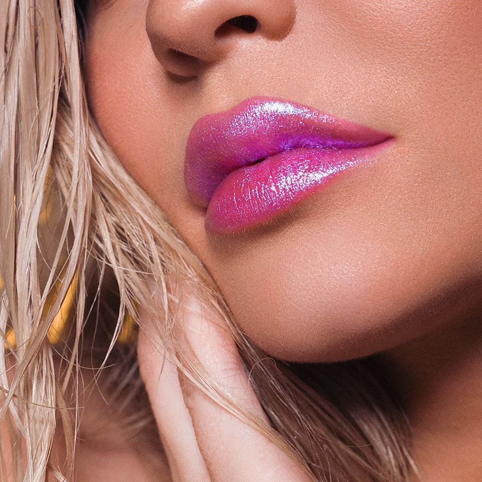 Kylie Jenner turns up the heat for the Kylie Cosmetics Summer 2018 ...