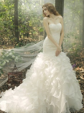 http://uk.millybridal.org/product/trumpet-mermaid-sweetheart-organza-cascading-ruffles-court-train-fashion-wedding-dresses-ukm00022669-17956.html?utm_source=post&utm_medium=1376&utm_campaign=blog