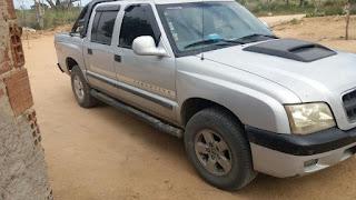 Mulher é ferida por arma de fogo durante assalto a veículo na zona rural de São Vicente do Seridó