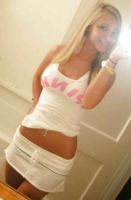 Hot Customize Your Facebook Profile with Beautiful Girls