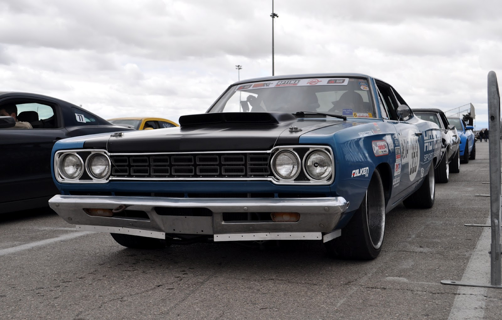 Classic Cars Authority: Dan is thrashing his 68 Road Runner around