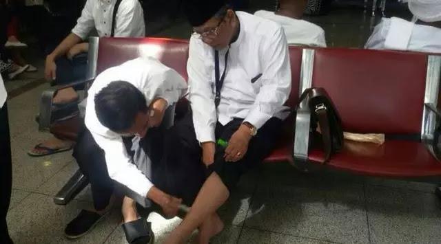 Kenangan Jokowi Saat Oles Balsem ke Kaki Hasyim Muzadi di Madinah