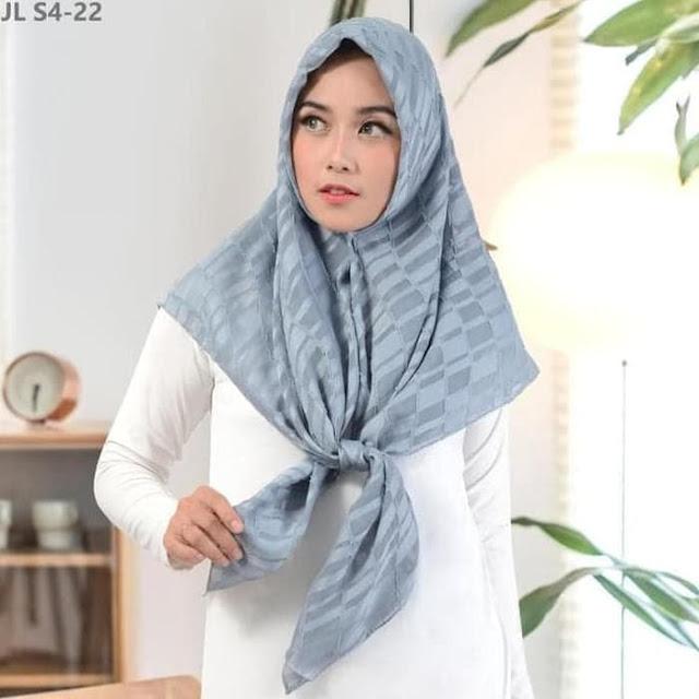 Jilbab Terbaru Segi Empat Motif Timbul Cantik Kalem