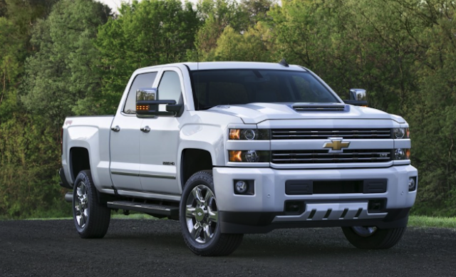 2018 Chevrolet Silverado 3500HD Diesel 4x4 Crew Cab Review