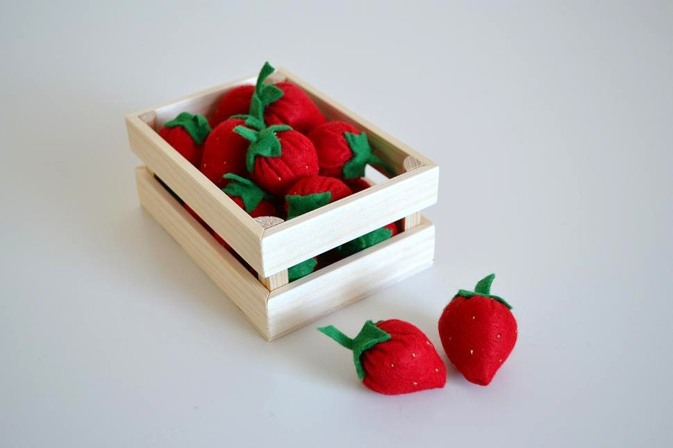 klitzekleinchen erdbeeren f r den kaufladen. Black Bedroom Furniture Sets. Home Design Ideas