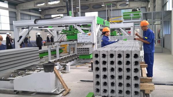 Nhà máy sản xuất các phụ kiện cho ứng dụng bê tông nguyên khối