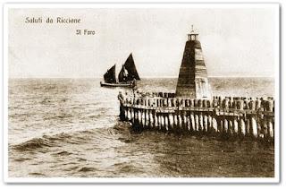 Foto storica del faro di Riccione