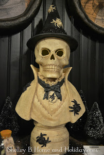 stonella Halloween witch bust decoration