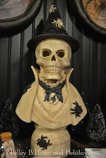 stonella Halloween witch bust decoration