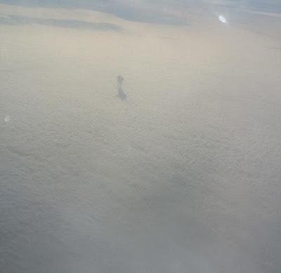 misteriosa que anda em nuvens