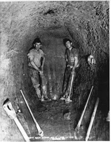 Italian immigrant workers constructing a sewer in Toronto