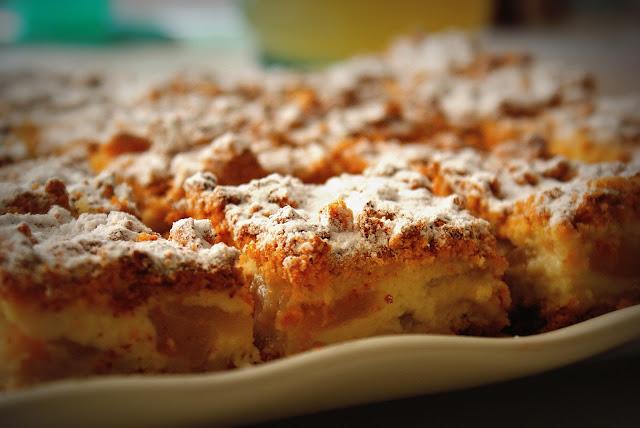 jabłecznik,szarlotka,ciasto z jabłkami,jablecznik z budyniem,kruche ciasto z jabłkami,jabłka,ciasto z papierówek,