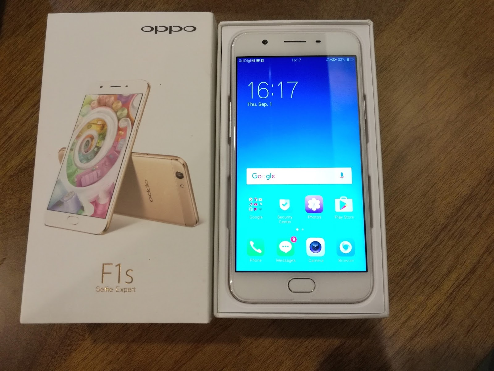 OPPO released their Selfie Expert series OPPO F1s in Malaysia on 10 August 2016 at the retail price of RM 1198 with GST OPPO F1s is the new choice for