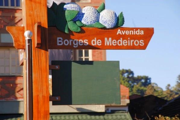 Placa da Avenida Borges de Medeiros - Gramado