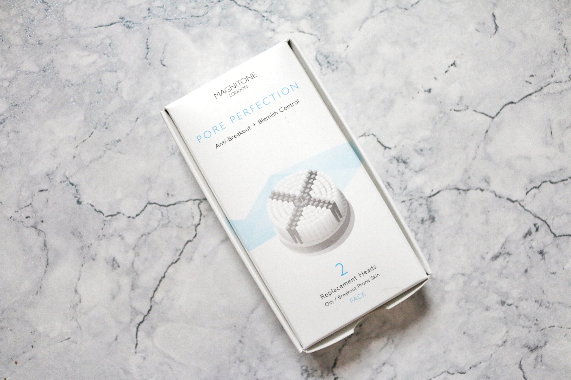 Birds eye view of the Magnitone Pore Perfection anti-break out + blemish control brush head