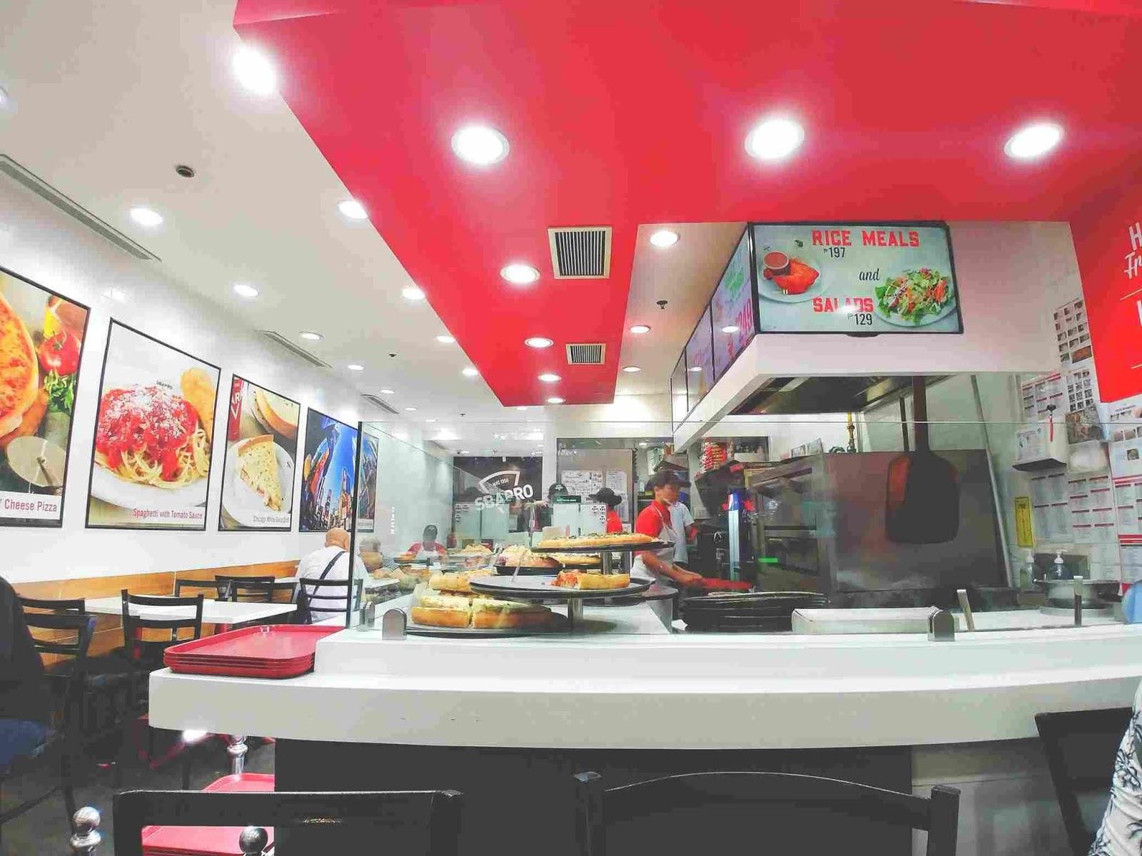 Sbarro restaurant ambiance
