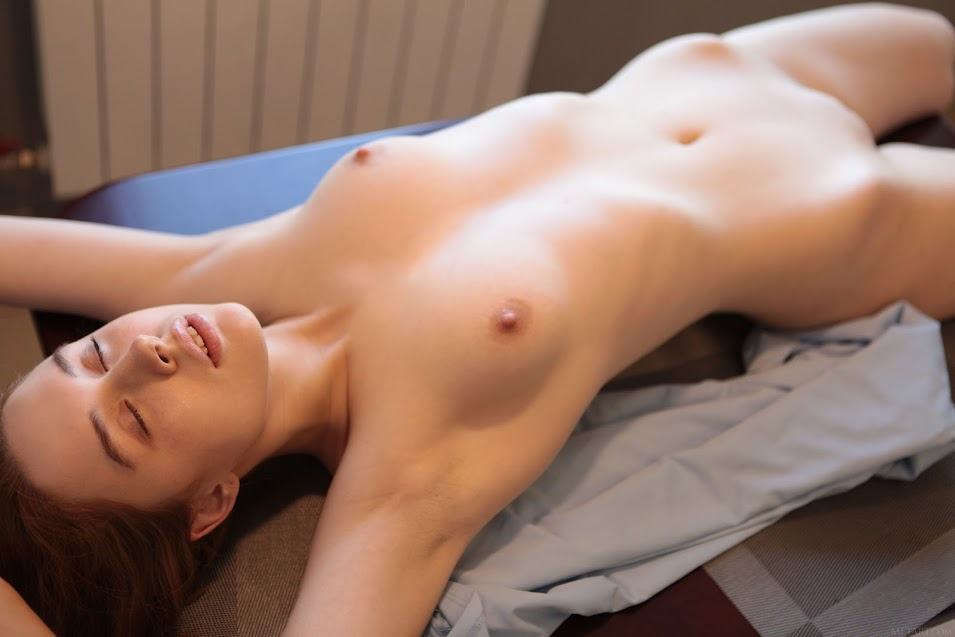 4dg50ioc76i4 MetArt Riccarda My Evening In