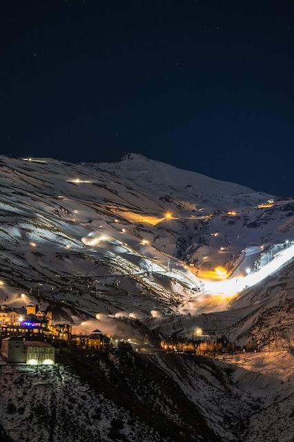 Sierra Nevada nocą | Autor zdjęcia: Francisco Guirado Olmo