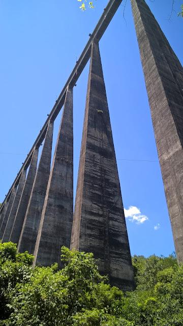 Pilares do Viaduto 13