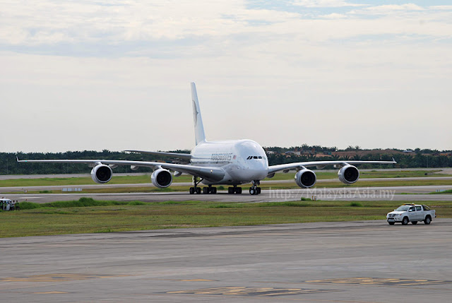 KLIA Landing for first Malaysia Airlines A380