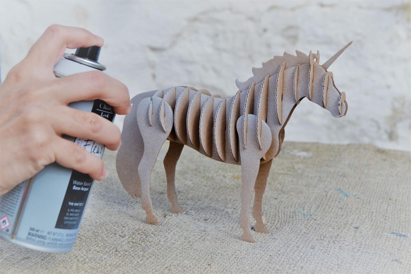 DIY, unicornio 3d, decoración con spray de fleur paint