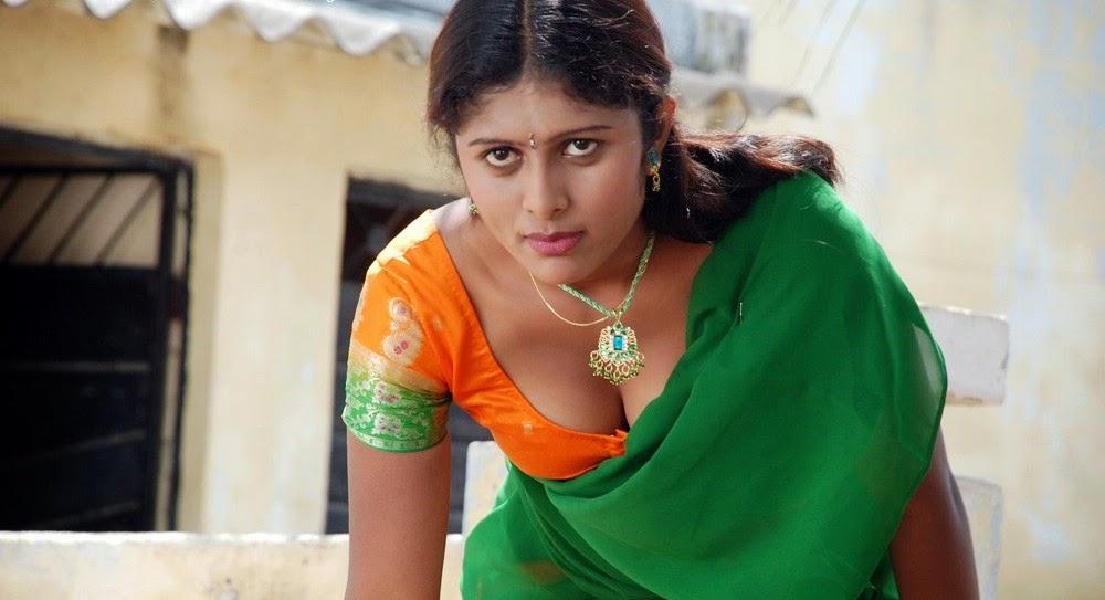 Vinutha Lal Hot Cleavage Show Pics_Malayalam Sexy Actress ...