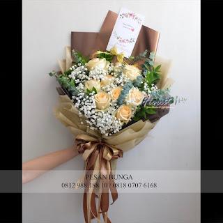 jual bunga valentine murah, madame florist, bunga valentine, handbouquet bunga valentine,