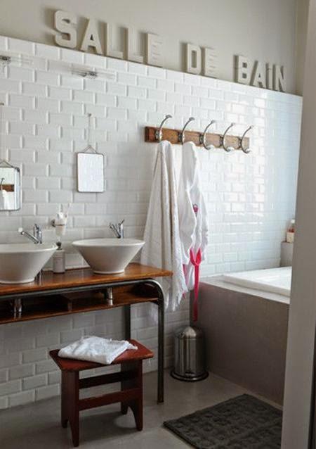 idee deco recup salle de bain id es d coration id es. Black Bedroom Furniture Sets. Home Design Ideas