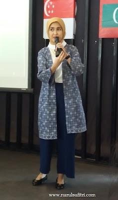 prita ghozie financial educator cara mengelola keuangan rumah tangga dan bisnis womenpreneur visa workshop nurul sufitri blogger ibu berbagi bijak