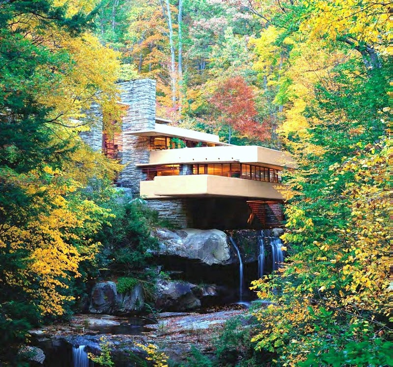 ARCHITECTURE | 80 YEARS FALLINGWATER HOUSE. FRANK LLOYD WRIGHT