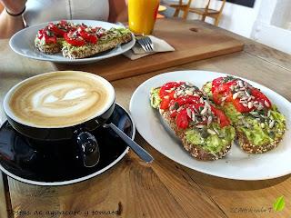 Desayuno en el Monkee Koffee