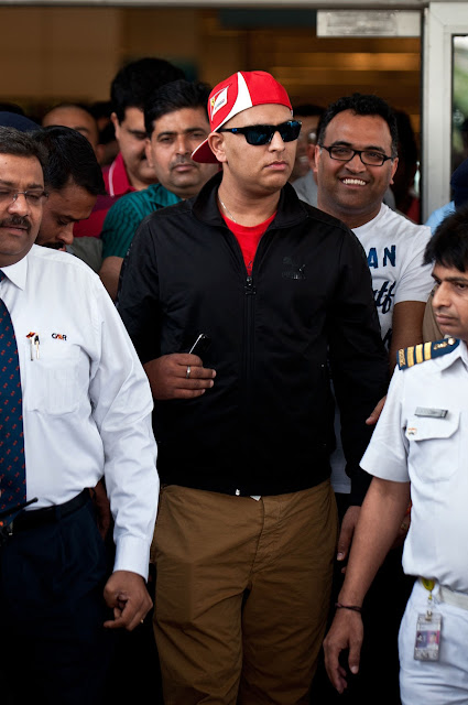 Yuvraj Singh return to Home Images