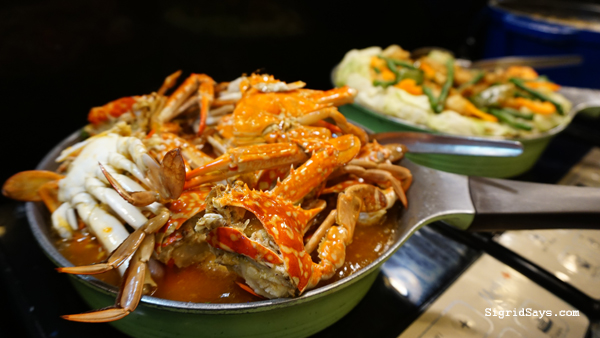 Hometown Iloilo Buffet by Freska - Iloilo Restaurant - chilli crabs