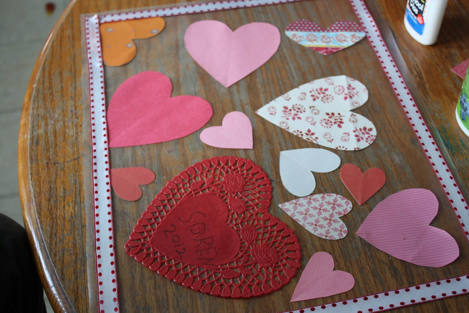 Great ideas 31 diy valentine 39 s day projects to make for Valentine decorations to make at home