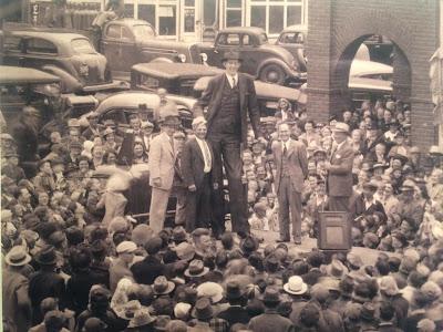 Robert Wadlow, el ser humano más alto de la historia
