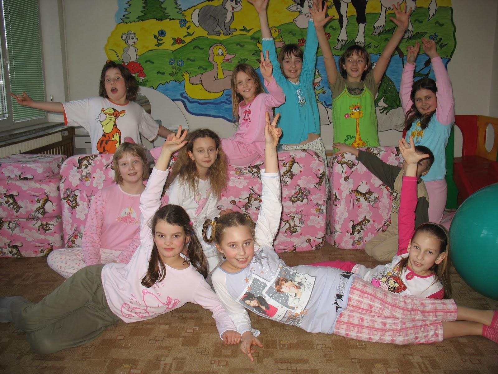 Pyžamová oslava desátých narozenin