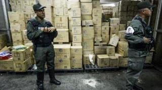"""""""Yo había anunciado que teníamos listos los juguetes para nuestros niños y en estas batallas de estos días de repente me llama un día William Contreras, director de Sundde (Superintendencia Nacional para la Defensa de los Derechos Socioeconómicos) y me dice: 'Mire presidente lo que estoy encontrando aquí'"""", dijo Maduro."""