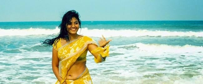 Anjali Hot Saree Below Navel Show Pics In Yellow Saree Photos