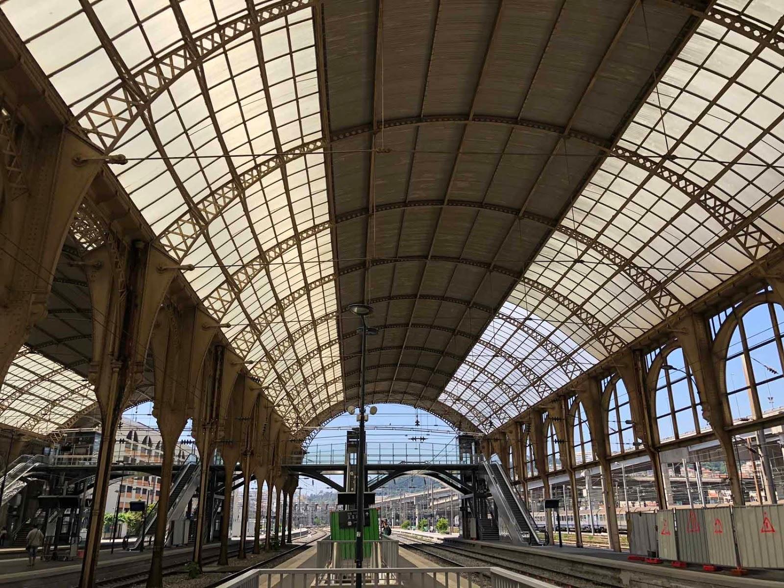 Nizzan upea rautatieasema