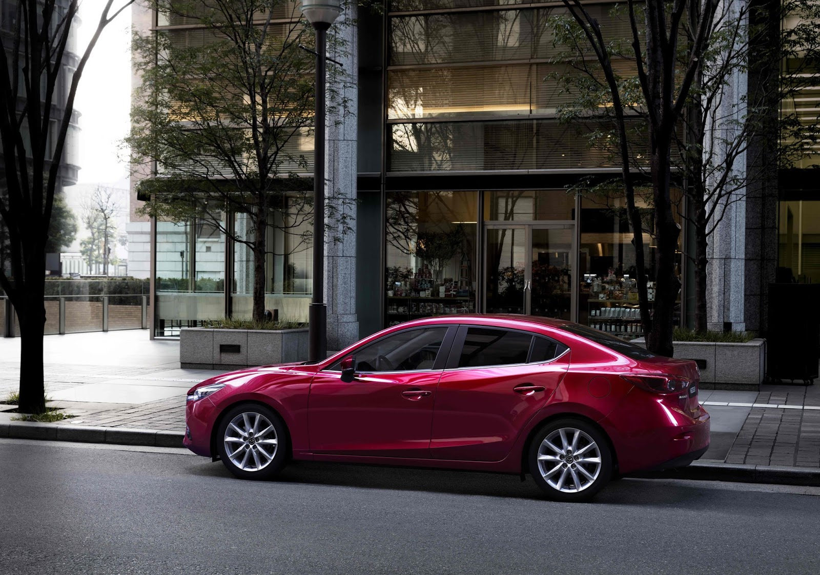 Thanks to its kodo soul of motion design and skyactiv technology the current generation of mazda s global sales leader set new standards when it went on