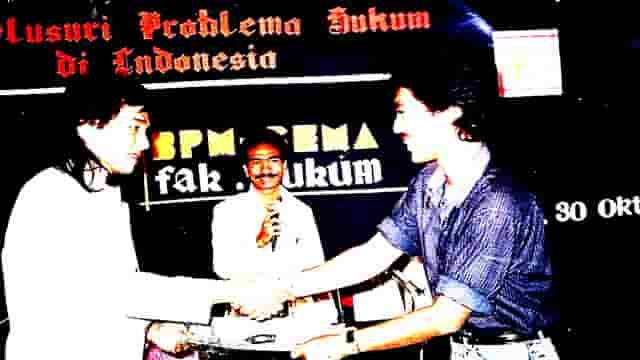 Diskusi Perdanaku Membongkar Corat-Marutnya Hukum Di Indonesia