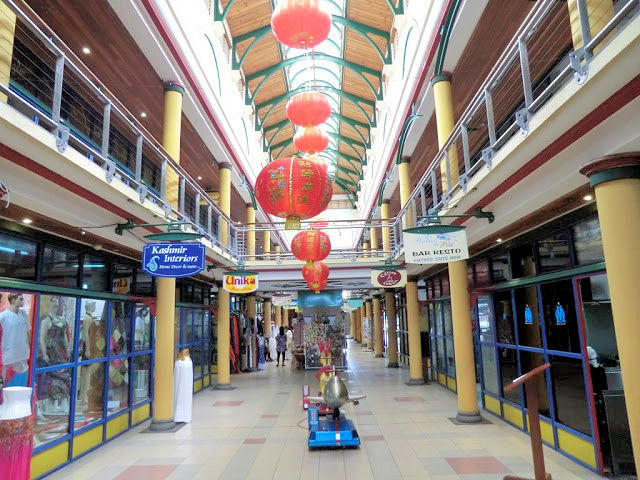 Port Louis  Shopping Mall (C) JUREBU