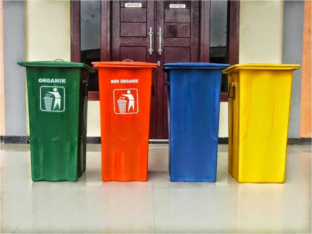 Tempat Sampah Fiberglass Kotak 240Liter
