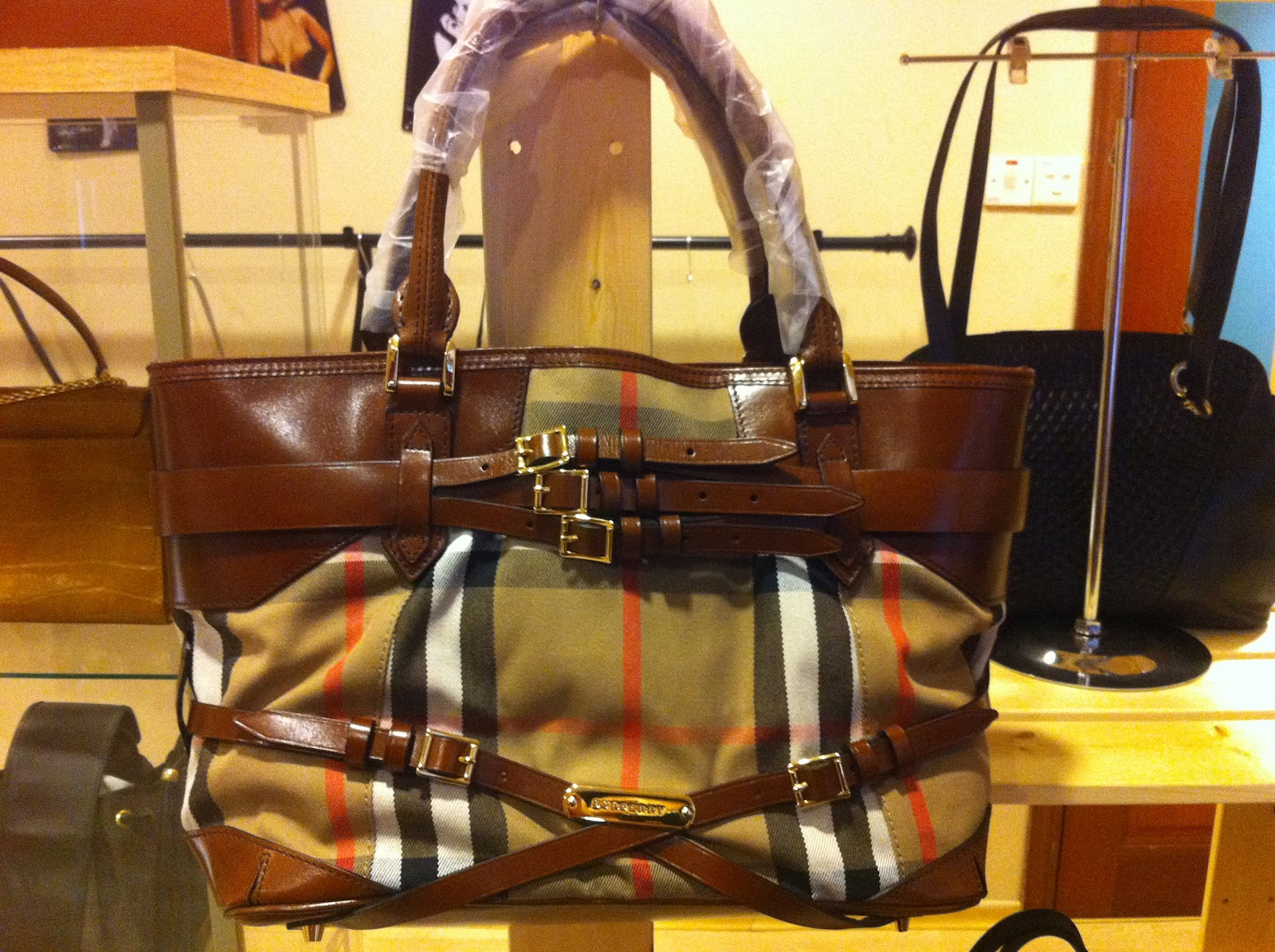 Truly Vintage  Burberry Medium Bridle House Tote Bag f84d75eaa4370